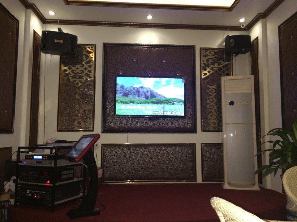 Hệ thống loa Bose 301V tại Cafe Bất Động Sản