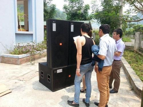 Việt Mới audio thử âm thanh cho khách hàng