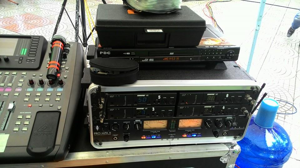 bàn digital mixer x32 -2