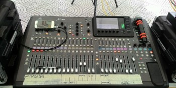bàn digital mixer x32 -1