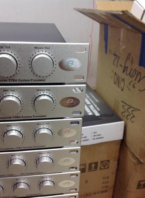 Nút xoay dễ dàng điều khiển của bàn mixer bfaudio 306d