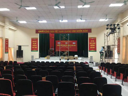Hội trường rộng hơn 200m2 tại trường Cao đẳng Hà Nội
