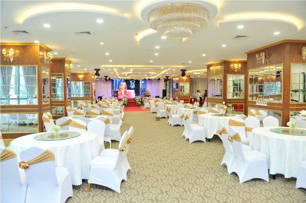 Việt Mới lắp đặt âm thanh ánh sánh nhà hàng Hoàng Gia- Hưng Yên