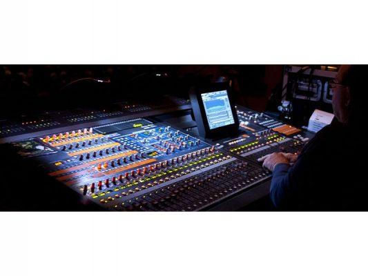 Thiết bị xử lý âm thanh chuyên nghiệp