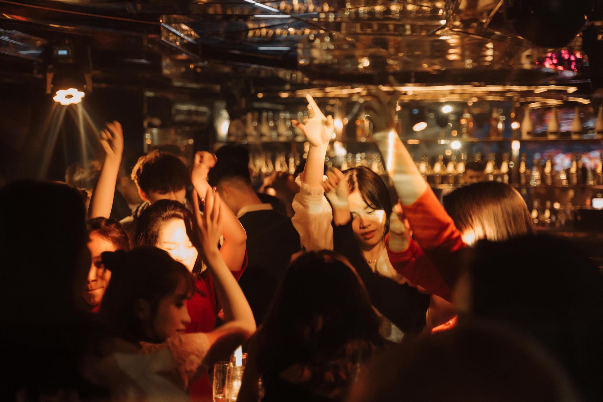 Lắp đặt hệ thống âm thanh cho quán bar đỉnh nhất – MAGIC Lounge