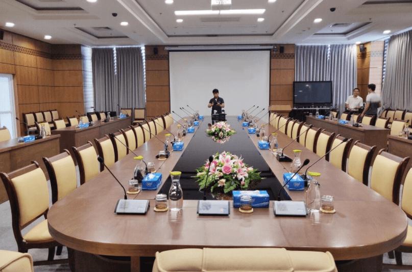 Lắp đặt hệ thống âm thanh hội nghị cho trường đại học ở Quận Tân Bình