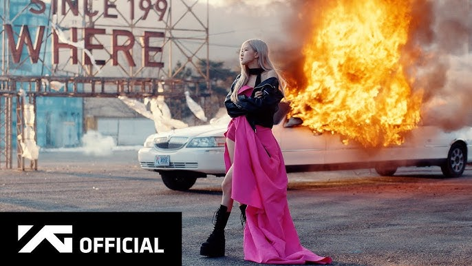 Cảnh quay limosine bị đốt cháy
