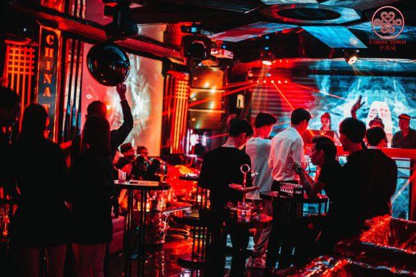 Hệ thống âm thanh cho các quán bar