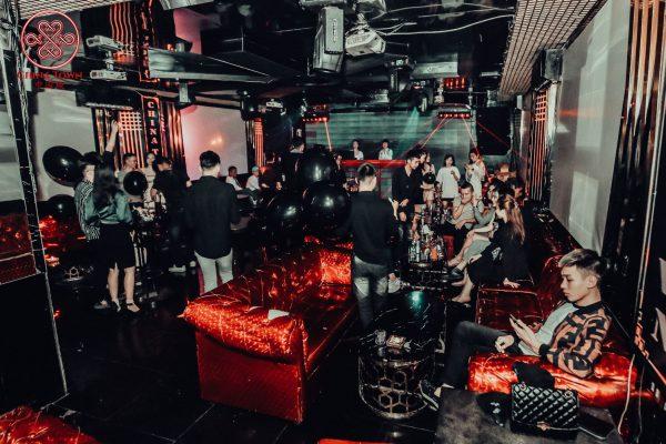 Quán bar China Town