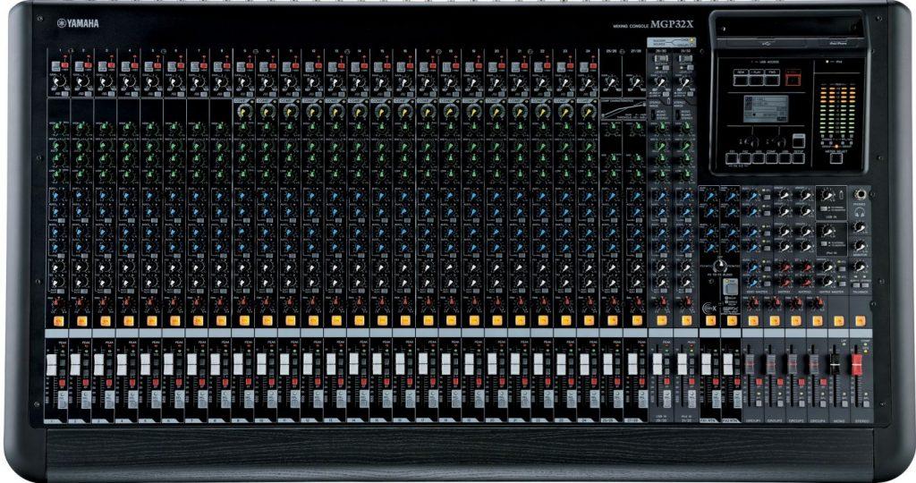 bàn mixer cao cấp
