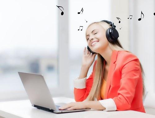 Nghe nhạc sẽ tạo cảm hứng lúc làm việc