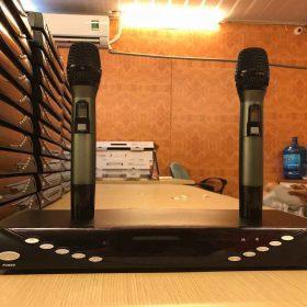Sản phẩm Micro không dây CF F2000